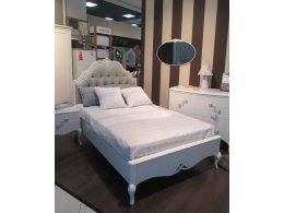Кровать с решеткой FRANCA отделка молочно-белый матовый лак (U03), ткань светло-бежевый велюр (B05)